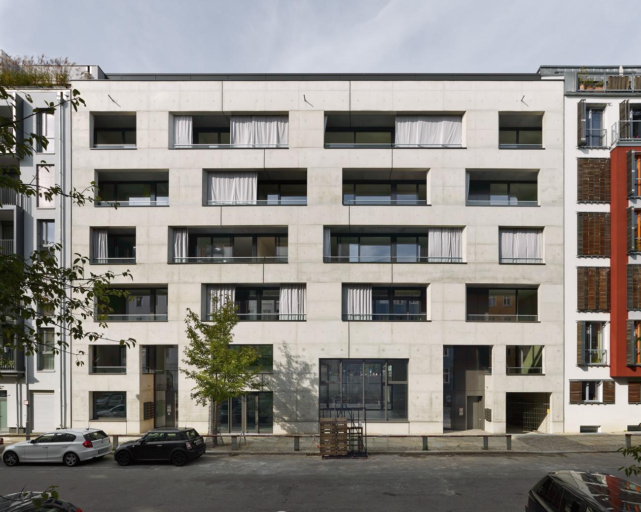 Schönholzer 15/16 - Wohnhaus mit Theater, Berlin, Deutschland